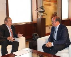 La Junta de Gobierno de la Real Academia de Medicina y Cirugía de la Región de Murcia realiza una visita institucional  al Presidente de la Comunidad Autónoma
