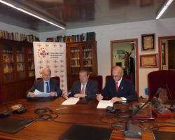 La Real Academia de Medicina y Cirugía de la Región de Murcia y la Unión Murciana de Hospitales y Clínicas firman un convenio de colaboración